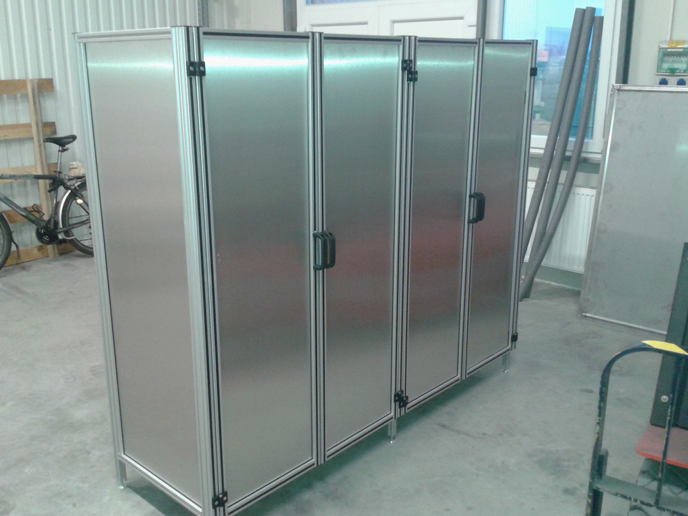 Panel-tároló-szekrény